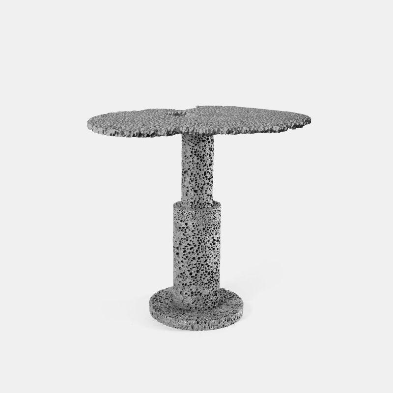 REPLICA SIDE TABLE