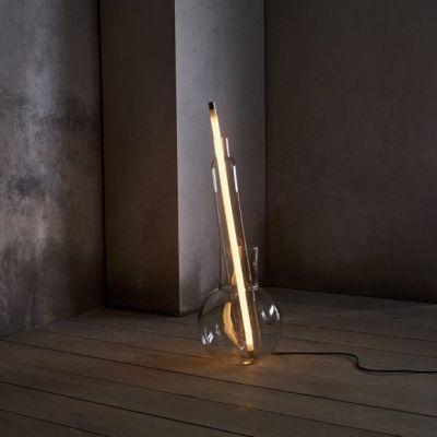 INTERVENTION FLOOR LAMP